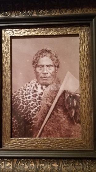 tableau d'un chef maori prise au musée Te Papa à Wellington