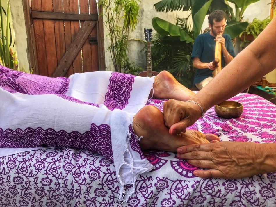 Se faire masser tout en profitant d'un voyage sonore, une expérience formidable pour le corps et l'esprit !